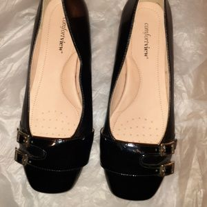 10.5WW Black Patent Leather women flats